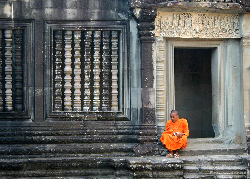 Monk at ankor wat